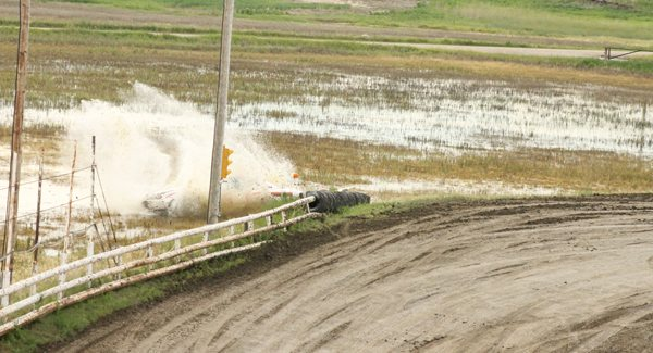 Flatlanders build new racing track