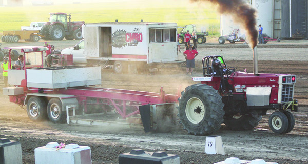 Dirt racers, tractor pull competitors ready to roar