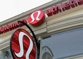 Did lululemon make a mistake giving away free clothes?
