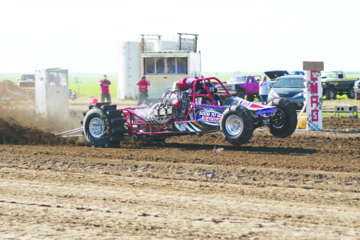 Dirt racers and pullers put on show for audiences