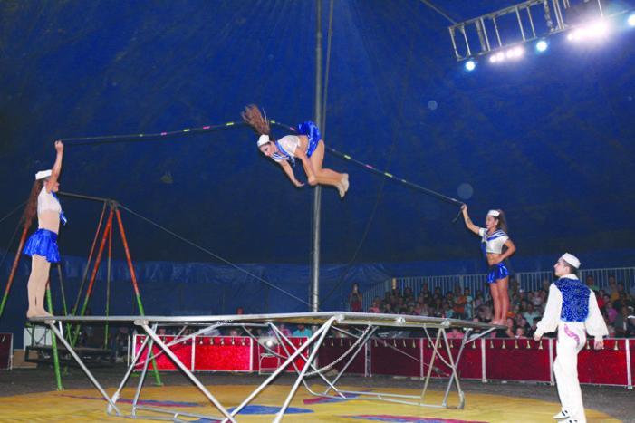 Great Benjamin's Circus wows Kindersley crowd