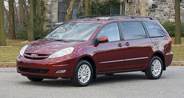 The 2010 Toyota Sienna goes about its business efficiently